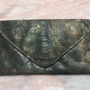 NWOT!! Gorgeous, one of a kind, Bronze/Gold clutch